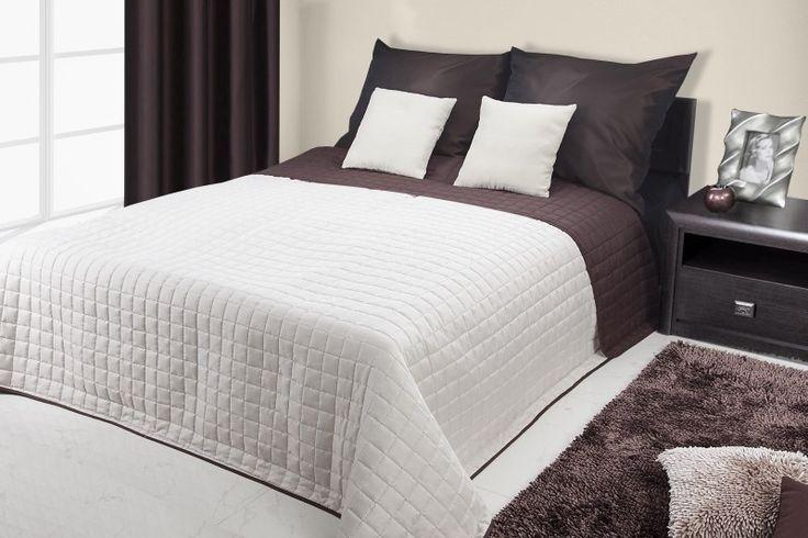 Přikrývka na manželskou postel krémově hnědé barvy s kostkovaným vzorem