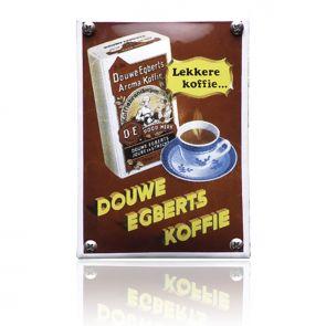Heerlijk nostalgisch, die emaille reclameborden van vroeger! Bijna niet van origineel te onderscheiden en handgemaakt, dit bord van Douwe Egberts koffie.