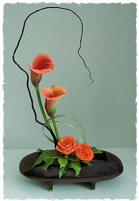 A FLOWER ARRANGER'S GARDEN - FLOWER ARRANGING BY CHRISSIE HARTEN - DESIGN 50
