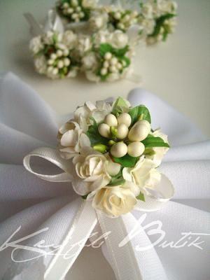 Peçete Halkası «beyaz güllerden bir demet çok şık olmaz mı sizce