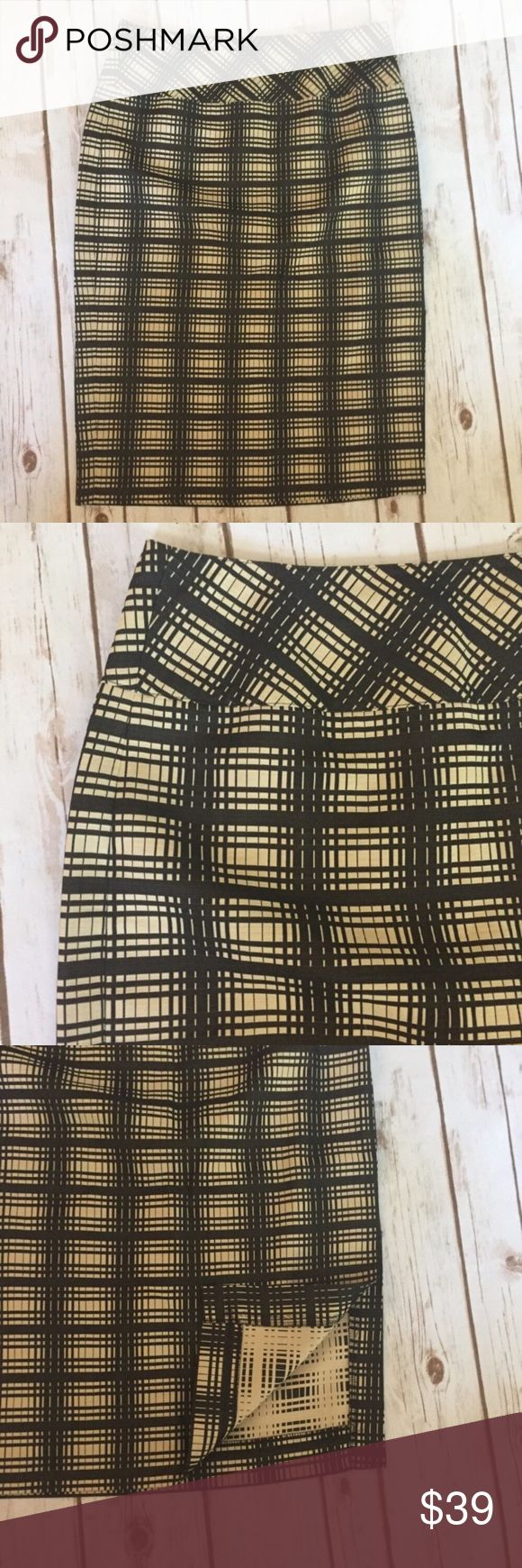 NEW J Crew Career Black Cream Checker Pencil Skirt NEW J. Crew Urban Career Black Cream Checker Straight Pencil Skirt Sz 4 Excellent condition. No flaws  Cotton/viscose Side zip  Left side slit  Measurements in inches when laid flat:  Waist: 14 Hips: 18 Length: 24   /203/ J. Crew Skirts Pencil