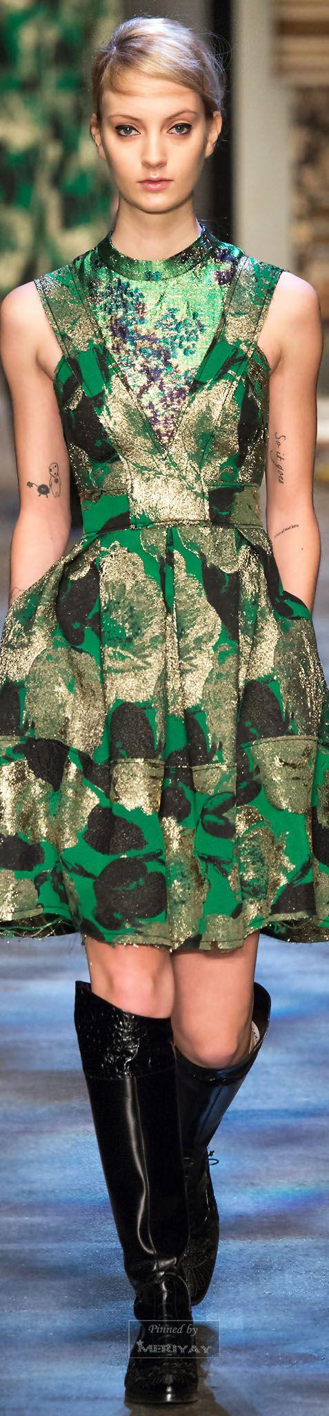 Erdem.Fall 2015.   emerald green fall fashion   www.endorajewellery.etsy.com