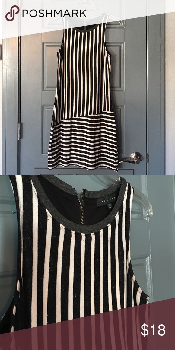 Black & White Striped Mini Dress ▪️▫️ Very pretty and sexy Black & White Striped Mini Dress ▪️▫️ Used once. Sanctuary Dresses Mini