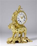 """*KAMINPENDULE """"A L'ELEPHANT"""", Louis XV, die Bronze aus einer Pariser Meisterwerkstatt, mit """"c couronné"""" (eine Steuermarke, die zwischen 1745 und 1749 auf alle Kupfer enthaltenden Legierungen angebracht wurde), das Zifferblatt sign. JN BAPTISTE BAILLON, das Werk sign. und numm. J.B. BAILLON A PARIS NO 2673 (Jean-Baptiste III. Baillon, Meister 1727), um 1747/49."""
