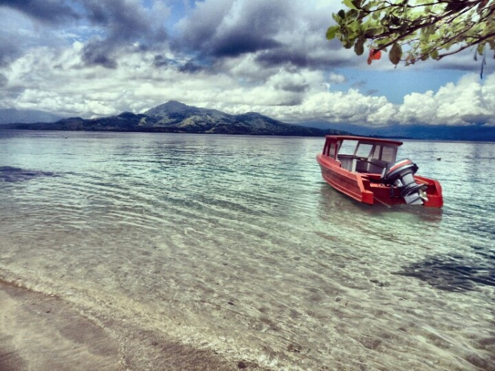 Siladen island, North Sulawesi photo by evaagustineaf