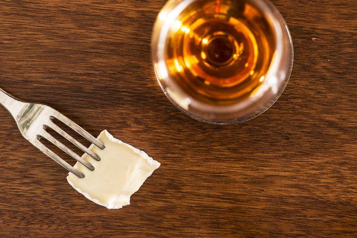 Så väljer du rätt vin till ostbrickan  #vin #tips #ost