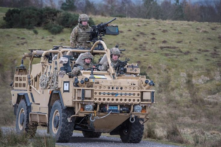 Soldiers from 1st The Queen's Dragoon Guards move to the firing range in their Jackal 2 vehicles, equipped with a General Purpose Machine Gun and the Grenade Machine Gun #britisharmy #british #army #soldier #military #machinegun #gun