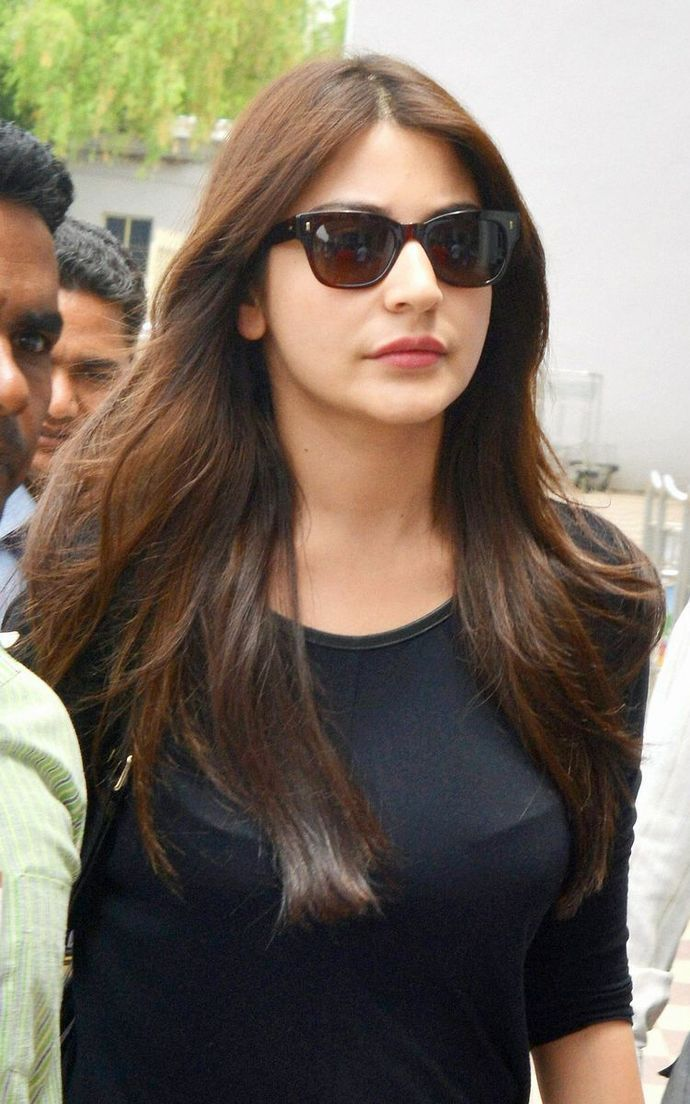 Bollywood Actresses Favorite Sunglasses 2018 Women Dresses In 2019