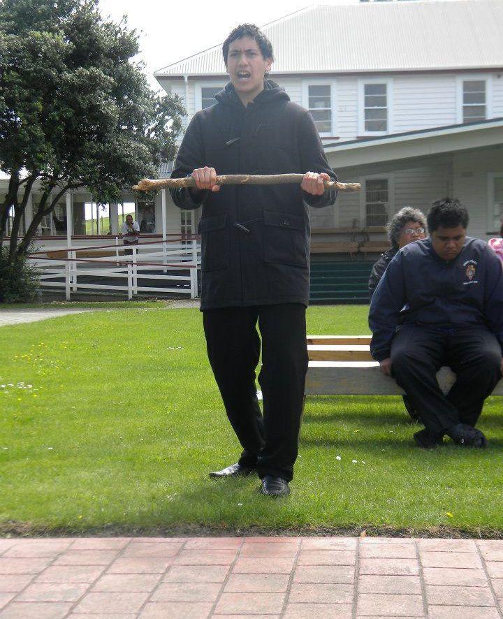 Ngaa Raauira Puumanawawhiti. He kaiwaahi i te koorero, i te kupu. He mana tohona noo tuawhakarere.