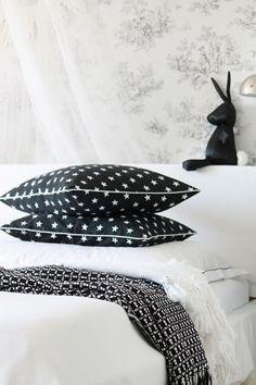 Kissen Sterne schwarz 50 x 50 cm