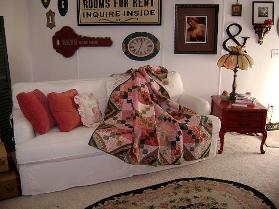 Love the wall design. And the quilt.: Irish Chains Quilts, Irish Chain Quilt