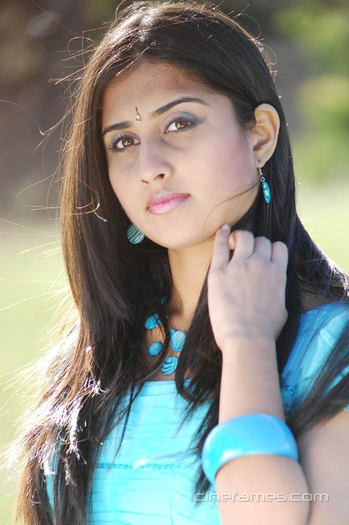 cool Actress Shamili (Baby Shamili) Latest Photos 2015