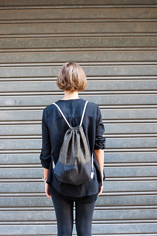 up ---> gold lamèdown ---> black cotton 100% #zainisellyselly #backpack #handmade