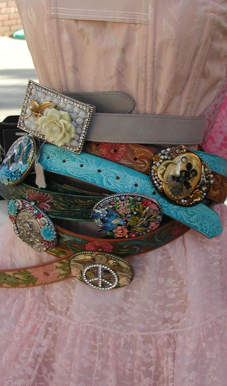 cool belts by Lisa Loria will be at the June 1st and 2nd Vintage Marketplace ...  Lisa's blog can be found at www.lisaloria.blogspot.com