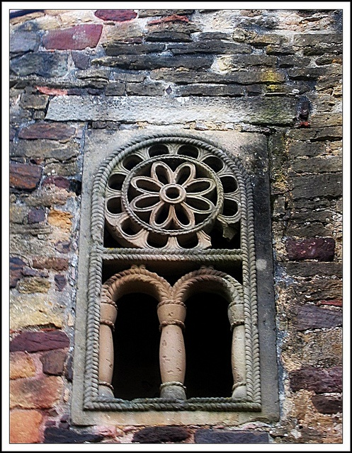Detalle de San  Miguel de Lillo, Oviedo, Asturias.  (prerománico)