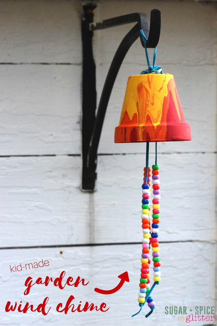 Kid Craft Idea: Homemade Garden Wind Chime, a sweet gift and a great way to decorate your garden with some kid-made art!