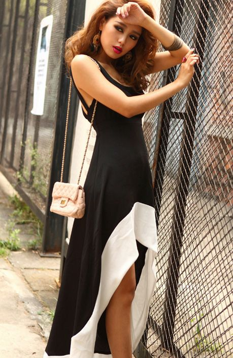 Elegant halter dress  ! <3
