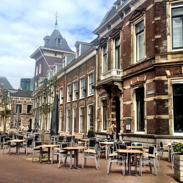 Terras van Stempels: altijd zon en een fijn uitzicht over de Haarlemse binnenstad. #haarlem #terras #stempels