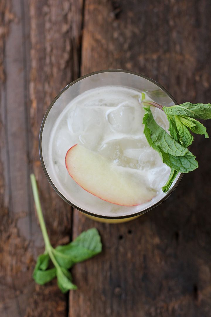 Peach Mint Julep recipe - I think we will try this for Derby 141!