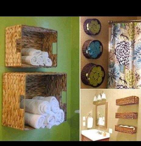 Bathroom / Badezimmer Handtücher an der Wand