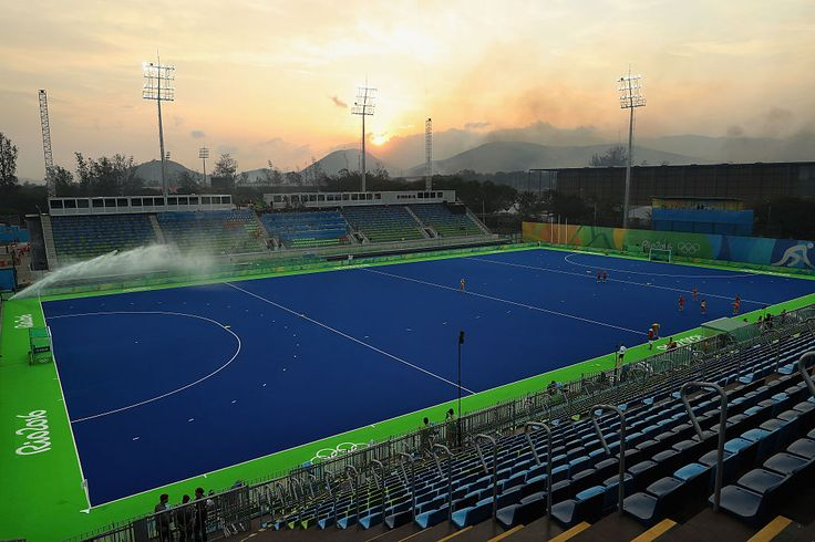 Why does the Rio 2016 Olympic hockey pitch have water on it?