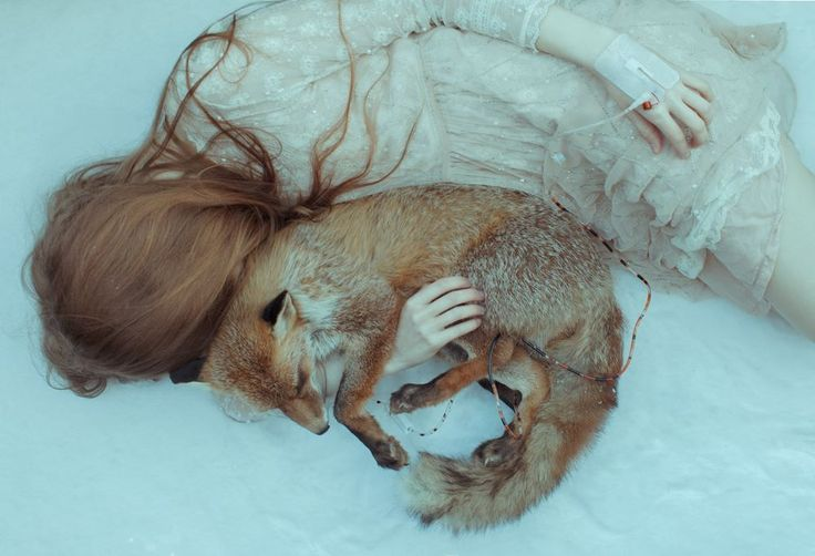Laura Makabresku: photography & fairy tales.