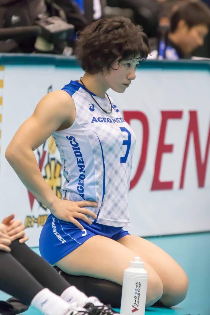 【画像あり】女子バレー選手の筋肉すごすぎワロタwwwww