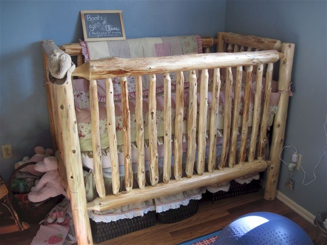 Cedar Log Baby Crib. If baby is a boy, this will be his crib! Love it