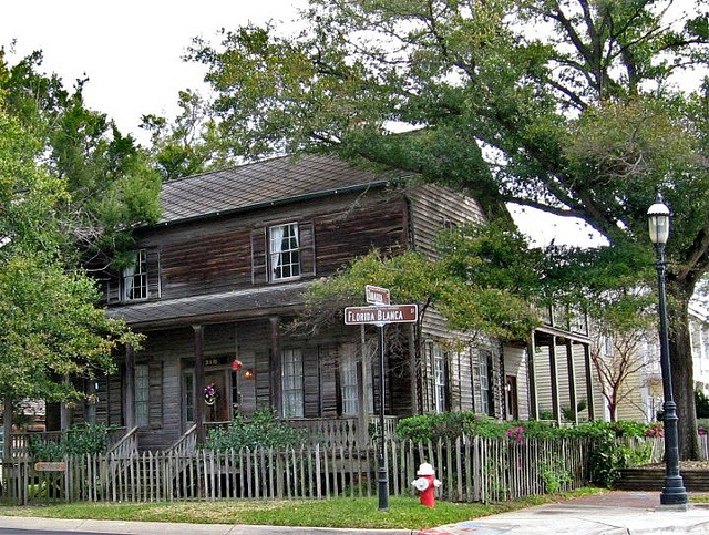 Historic pensacola buildings in pensacola florida for Victorian homes for sale florida