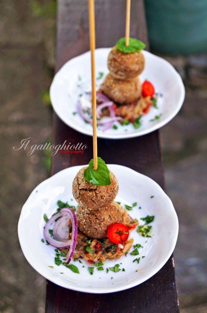 il gattoghiotto: Polpettine di fagioli con sughetto speziato di tonno