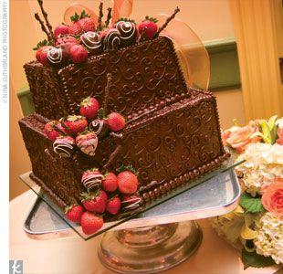 Nice Traditional Grooms Cake