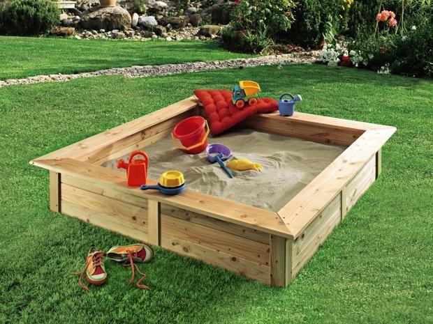 Inspirational Der massive Sandkasten aus langlebigen Douglasien Holz kann entweder naturbelassen oder mit einer Holzfarbe behandelt werden
