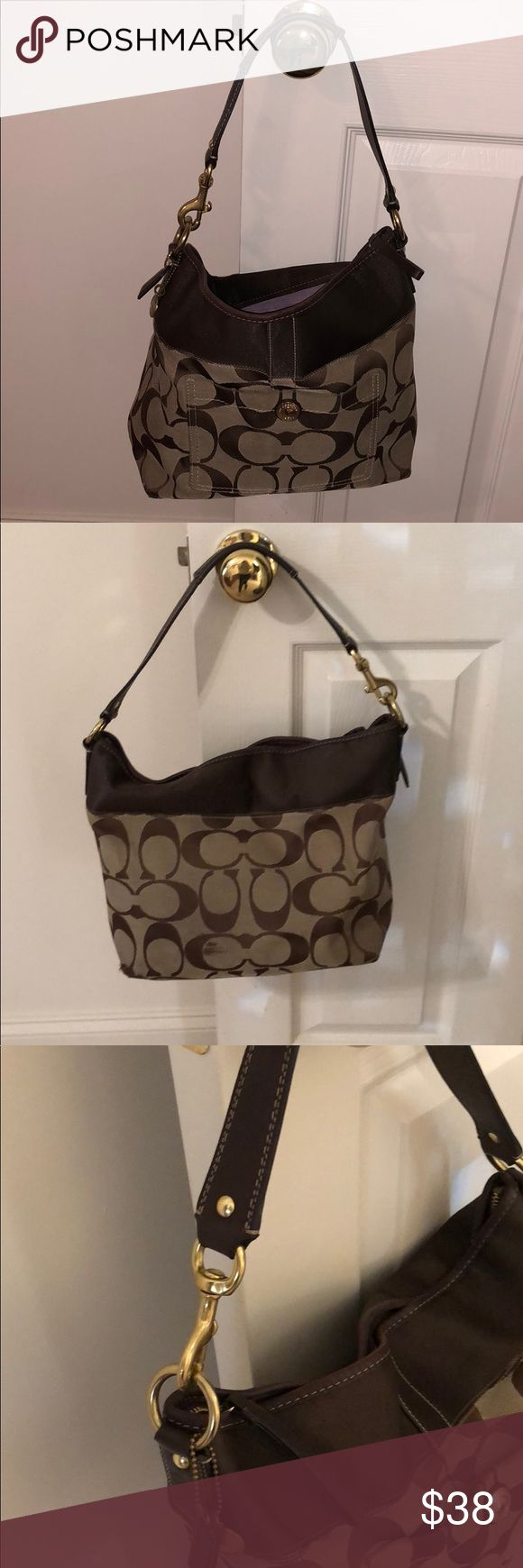 Coach Pocketbook Super cute coach pocketbook!  Has some wear on the back of the bag and some ink marks on the inside. 🌺 Coach Bags Shoulder Bags