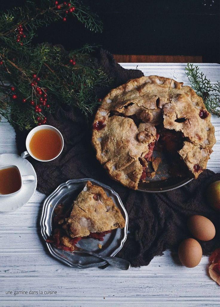 Mile-High Apple Cranberry Pie via Une Gamine dans la Cuisine #recipe