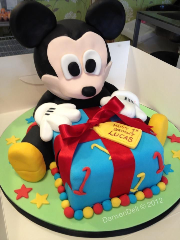 Pin By Leslie Huft On Cake 1st Birthday Cakes Mickey