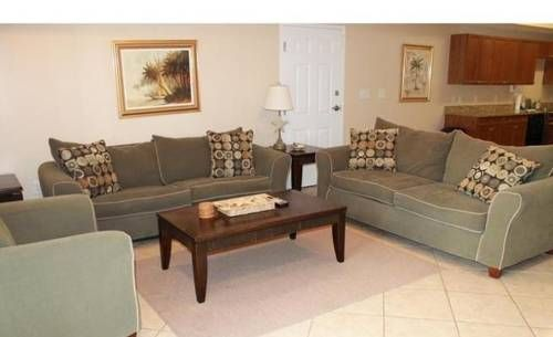 South Ocean Condo 707 Myrtle Beach Located 2.2 km from Myrtle Beach Boardwalk, South Ocean Condo 707 offers accommodation in Myrtle Beach. The apartment is 2.2 km from Myrtle Manor.  The kitchen features a dishwasher. A TV is provided.
