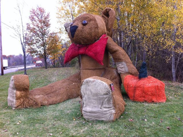 Charming Giant Hay Bale Sculpture At Vermont Teddy Bear Factory Route 7. Shelburne  Vermont | Vermont Teddy Bear | Pinterest | Vermont Teddy Bears, Teddy Bear  Factory ...