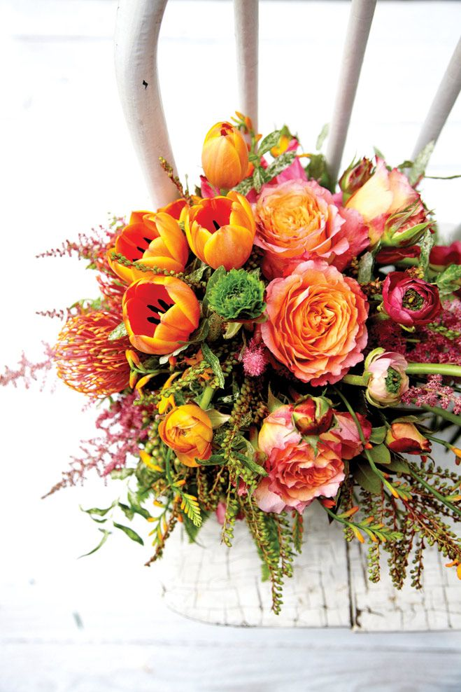 In Full Bloom: Bright and Beautiful Wedding Bouquets and Centerpieces | Minnesota Bride magazine