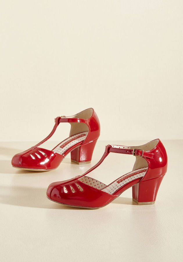 Perfect for Autumn, for Christmas, for wearing because the wind blew. Gorgeous.  #ad #perfectshoes #1940sstyle