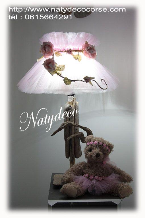 Abat jour en tulle couleur rose poudre (rose et blanc ) couronne de fleurs en papier rose  en vente en mp ou en email sur mon site http://www.natydecocorse.com