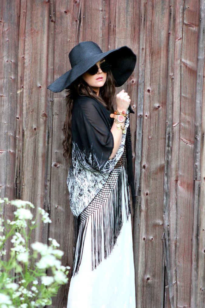 Fringe Kimono - from www.missraspberry.se