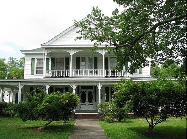 89 best images about old southern mansions on pinterest for Zillow plantation