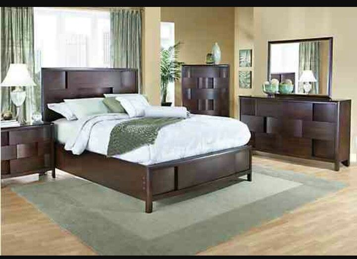 The Lynwood Bedroom Set At Rooms To Go #Love This Modern Look!