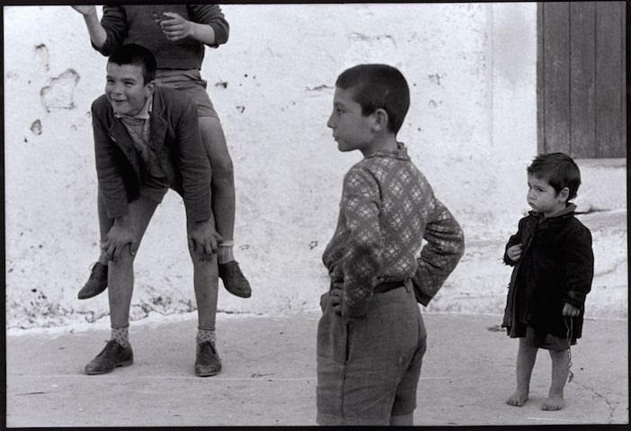 In the early 1960s, Constantine Manos spent three years living in Greece and…