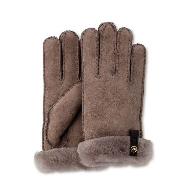Ugg Tenney Glove (1.130 NOK) ❤ liked on Polyvore featuring accessories, gloves, stormy grey m, sheepskin gloves, grey gloves, ugg gloves, ugg and gray gloves