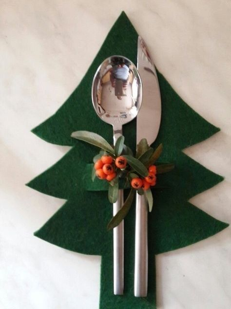 16 different ways to decorate your Christmas table…