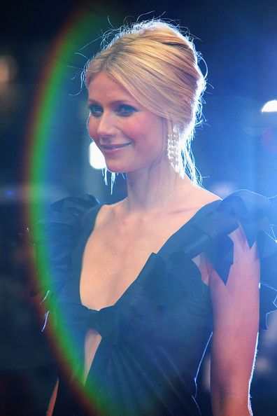 gwyneth paltrow updo - Google Search  Love the top and volume