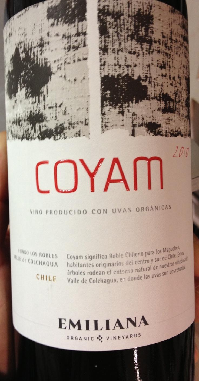 Coyam  Roble chileno en Mapuche.  Con uvas orgánicas.  Un vino especial. Una etiqueta FutureBrand.