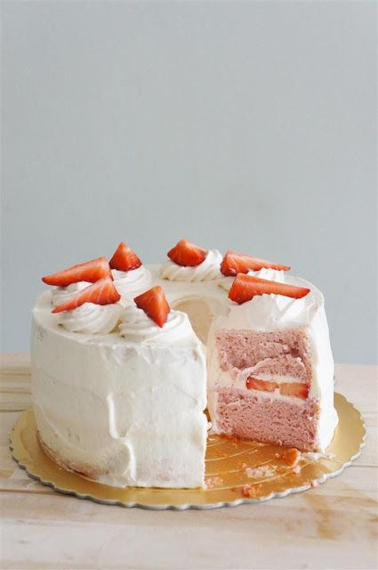 Cakelets and Doilies: Strawberry Cloud Cake :: This is making me excited for the Great British Bake-Off!