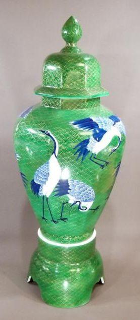 Japanese chinaware | design of a wave and cranes | Imari(Arita)